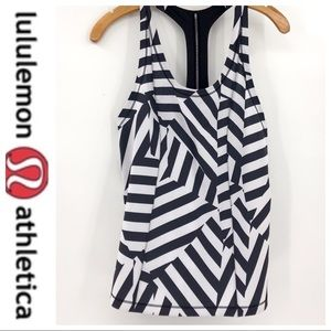 💕SALE💕 Lululemon Black Stripe Seawheeze Singlet